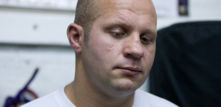 Fedor_listening_to_questions