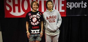 Megumi Fujii and Hitomi Akano pose for a photo backstage