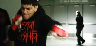Nick Diaz warming up