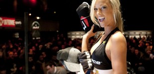 Rockstar Girl gives out Strikeforce gear