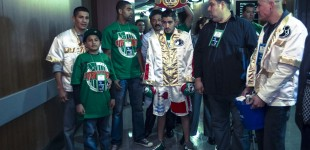 Leo Santa Cruz walking out