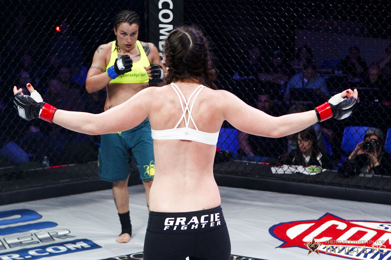Leslie Smith vs Raquel Pennington